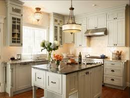 Saturn Kitchen - Kitchen Island Ideas