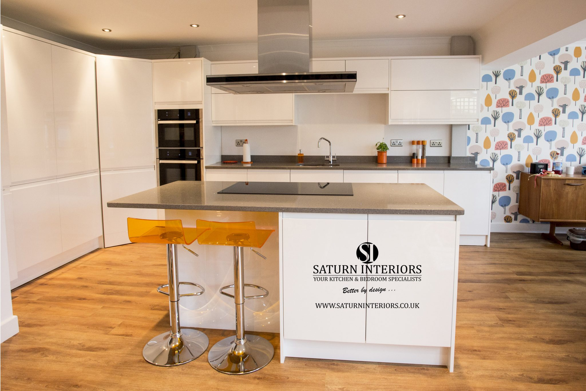 Strada Gloss White Kitchen