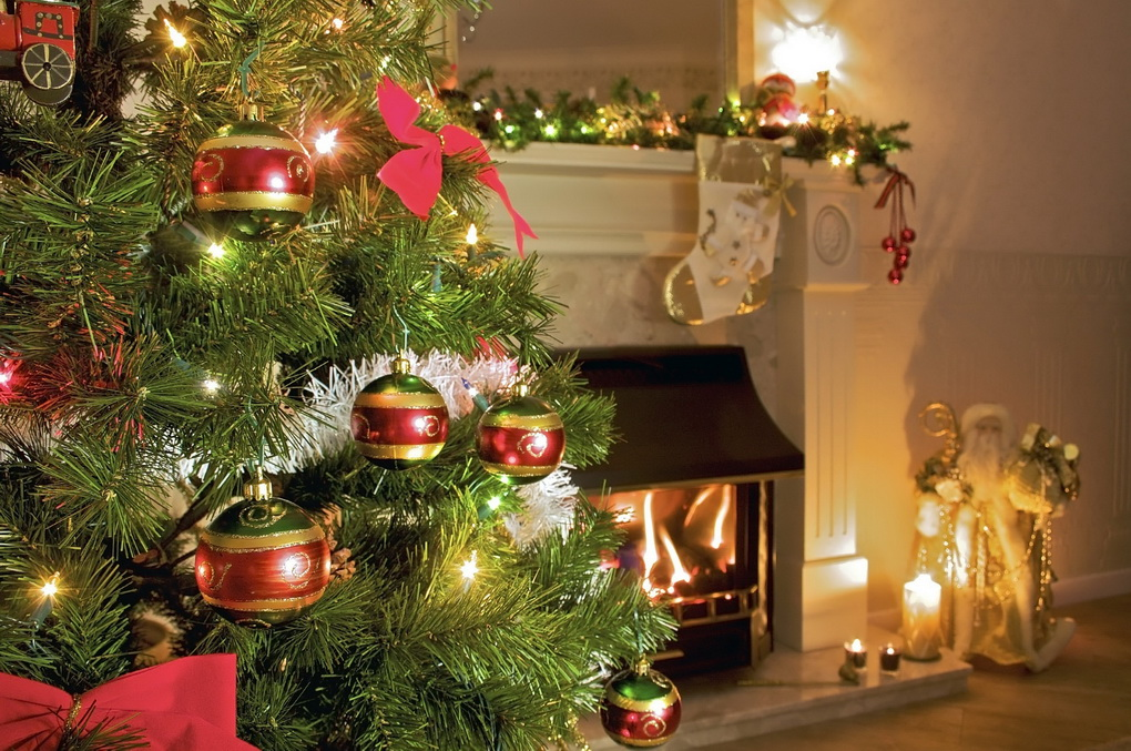Hosting Christmas At Yours This Year? Stop Panicking, Read On