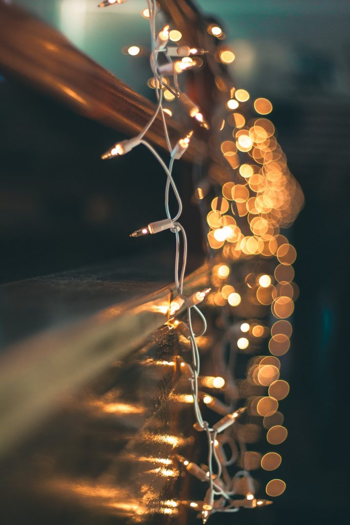 Christmas décor ideas for your kitchen, fairy light used as Christmas decoration