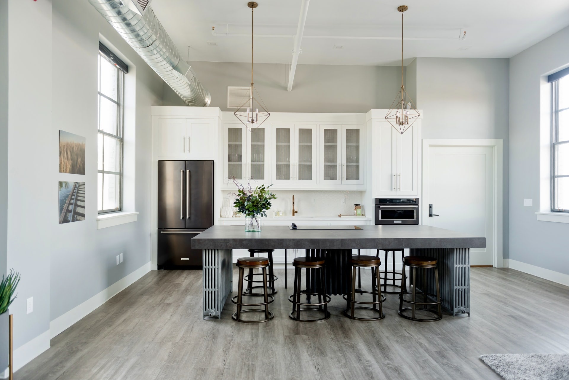 5 Stylish And Minimalist Kitchen Designs To Implement In Your Home