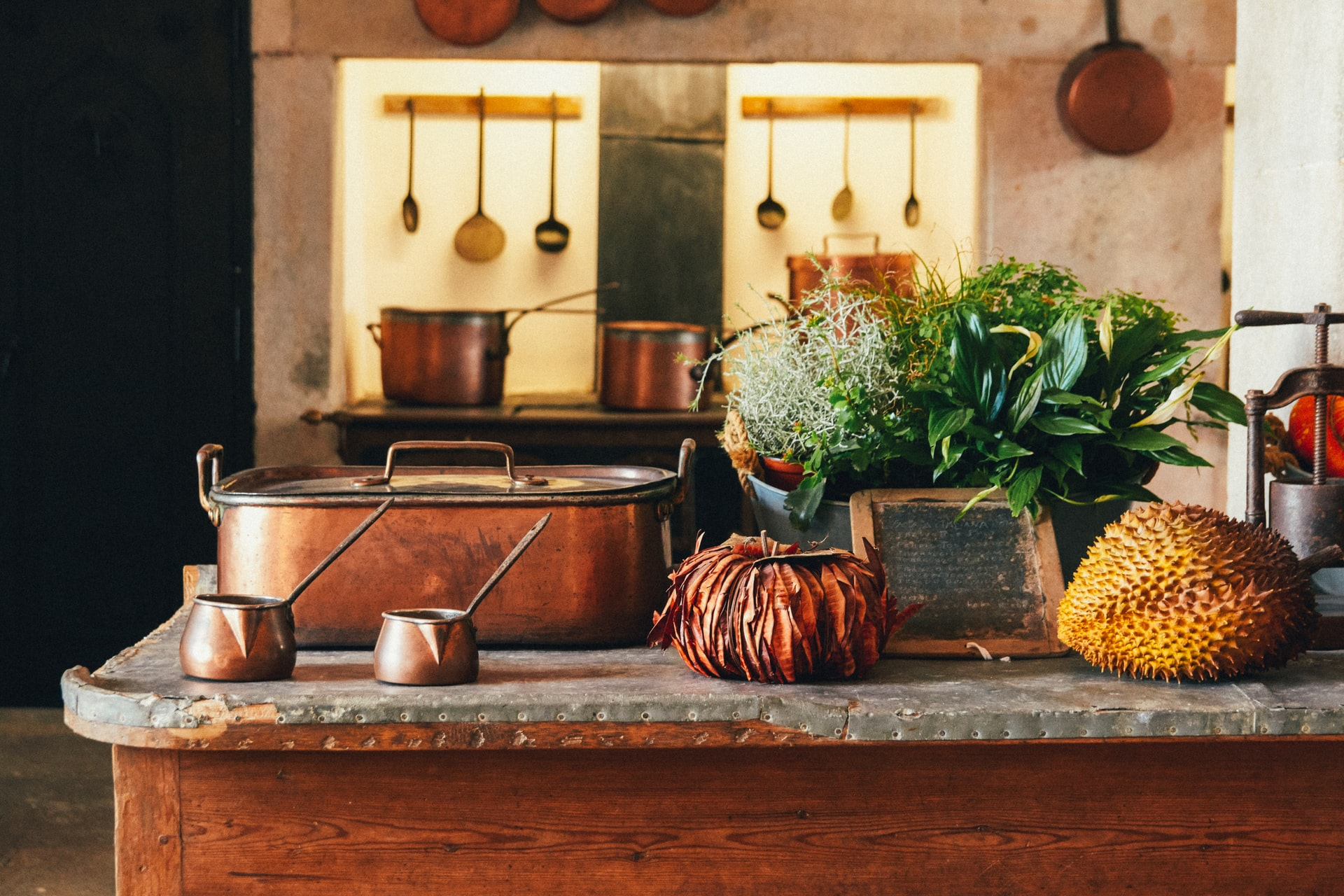 Vintage Features For Your Kitchen; A Warm Colored Rustic Kitchen